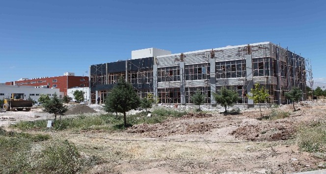 Üniversite, yeni projelere imza atacak