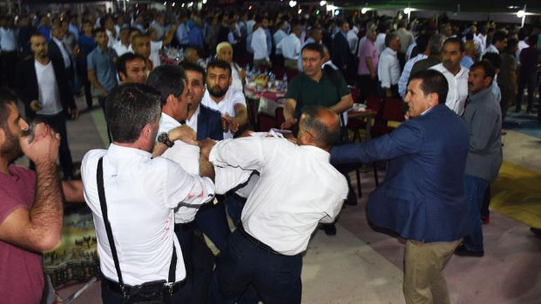 Kahta'da İftar Yemeğine Kan Bulaştı