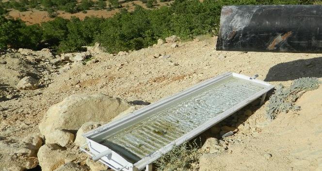 Nemrut Dağı Sit Alanlarına Su Tenekeleri Yerleştirildi