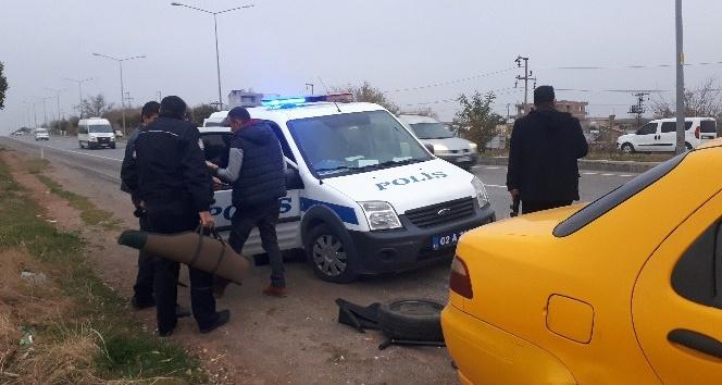 Silah yüklü araba ihbarı polisi alarma geçirdi