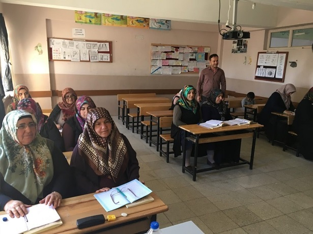 Kahta'da 900 Kişi Okuma-Yazma Öğreniyor
