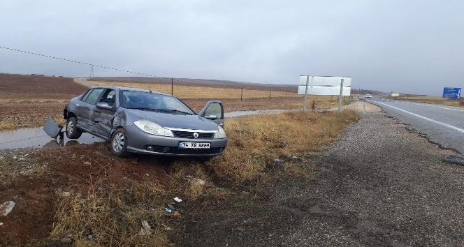 Kahta'da İki otomobil kafa kafaya çarpıştı: 1 yaralı