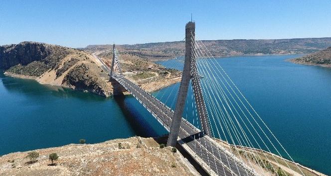 Nissibi Köprüsü'nden 2 milyondan fazla araç geçti
