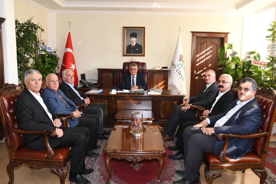 Kahta'daki Siyasi Heyet Vali Aykut Pekmez'e Ziyaret