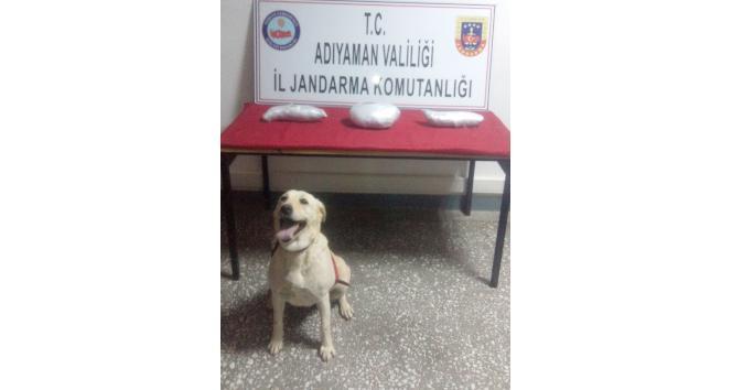 Narince köyünde Uygulama Noktasında 2 Kilo Esrar Yakalandı
