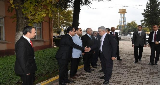 Vali Aykut Pekmez'den İl Özel İdareden brifing aldı