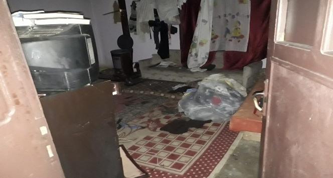 Kahta'da Suriyelilerin Kaldığı Evde Soba Patladı 1'i Ağır 7 Kişide Yaralandı