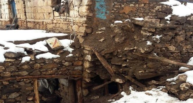 Gerger'de Ahır çöktü 35 hayvan telef oldu