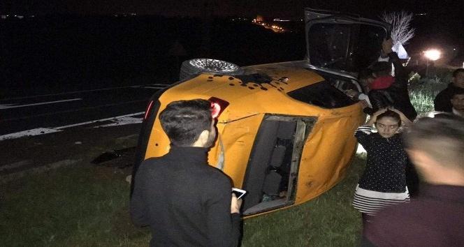 Adıyaman-Kahta Yolunda Otomobil takla attı: 7 Yaralı