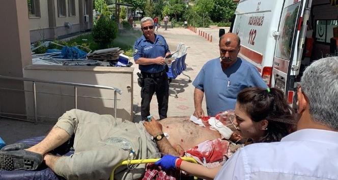 Kahta'da Köy muhtarı silahla vuruldu