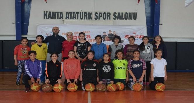 """Kahta'da """"Yaz Spor Okulu"""" açıldı"""