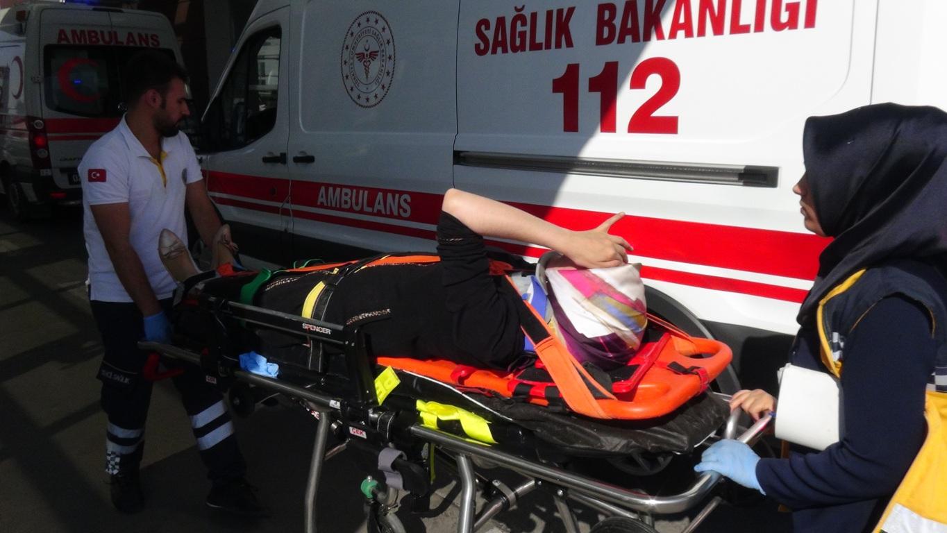 Kahta- Adıyaman Yolununda Kaza: 5 Kişi Yaralı