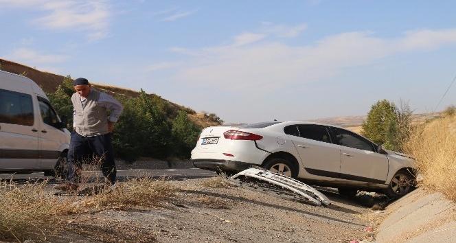 Adıyaman-Kahta Yolunda Kaza, 5 Yaralı