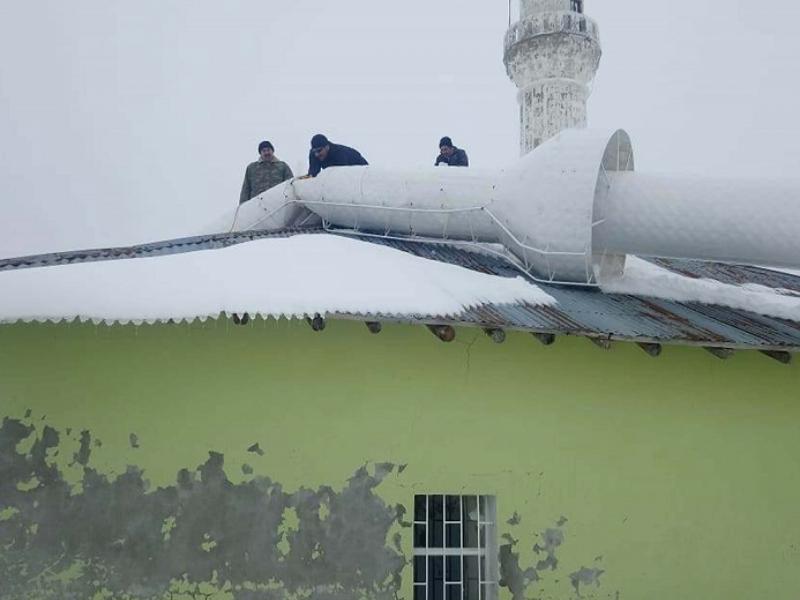 Sincik'te Caminin Üstüne Yıkılan Minare Kaldırıldı