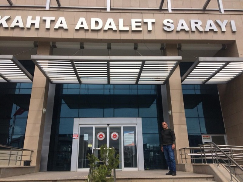 Kahta Adliye Sarayında koronavirüsle mücadele kapsamında dezenfekte çalışması yapılıyor
