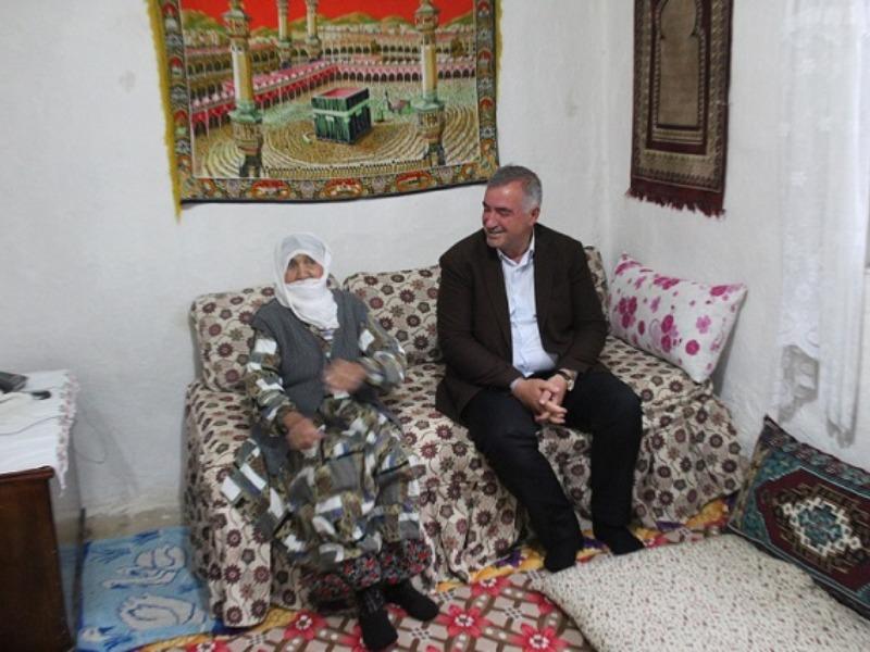 Başkan Turanlı, Anneler Günü'nde Şehit Annesini Ziyaret Etti