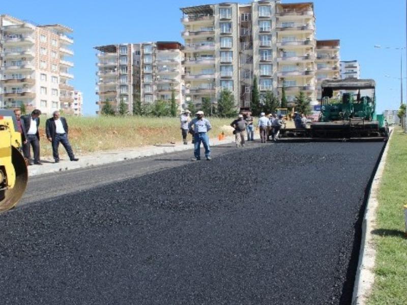 Kahta Belediyesi sıcak asfalt çalışmalarına başladı