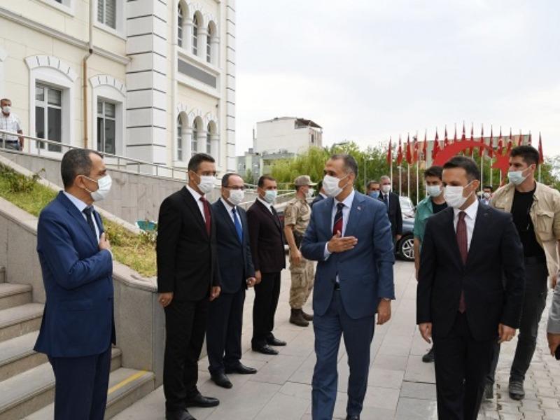 Vali Mahmut Çuhadar, ilçe gezilerine Kâhta ile devam etti