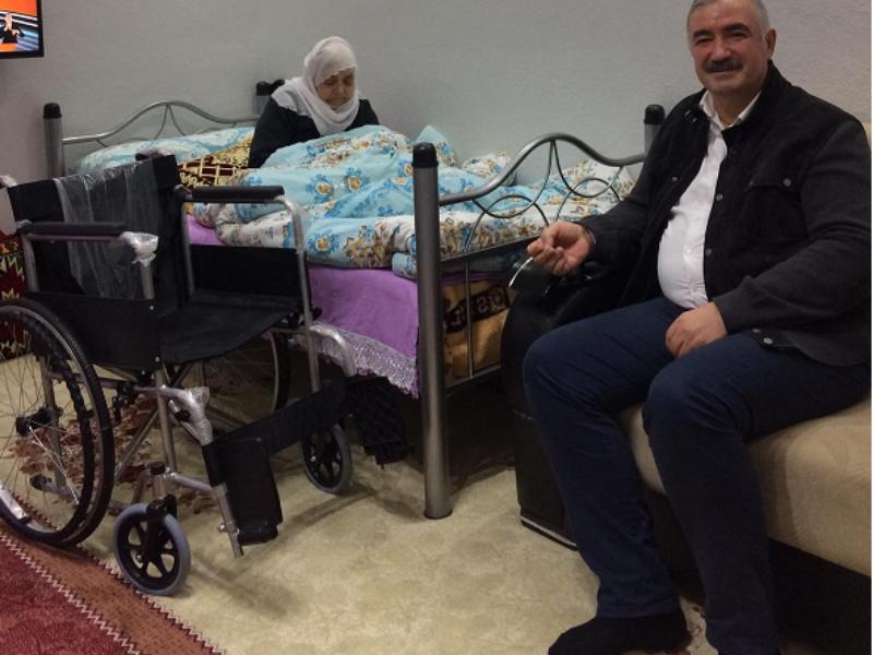 Başkan Turanlı'dan engelli anneye sürpriz ziyaret