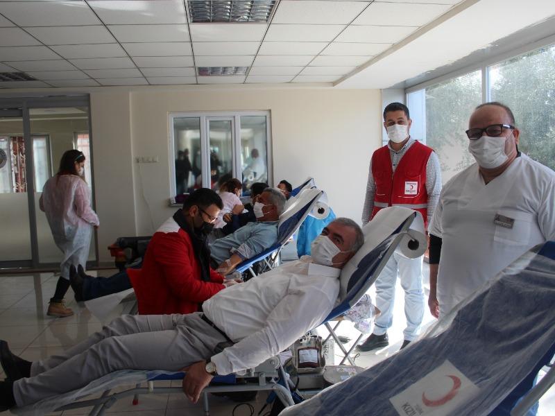 Kahta Belediyesi'nden Kızılay'a kan bağışı