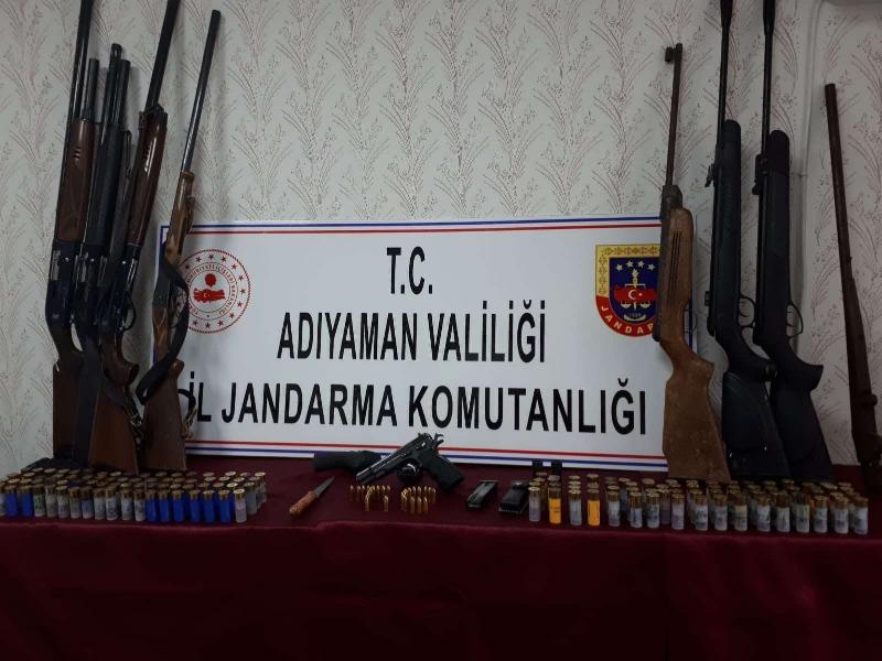 Kahta'da çok sayıda silah yakalandı