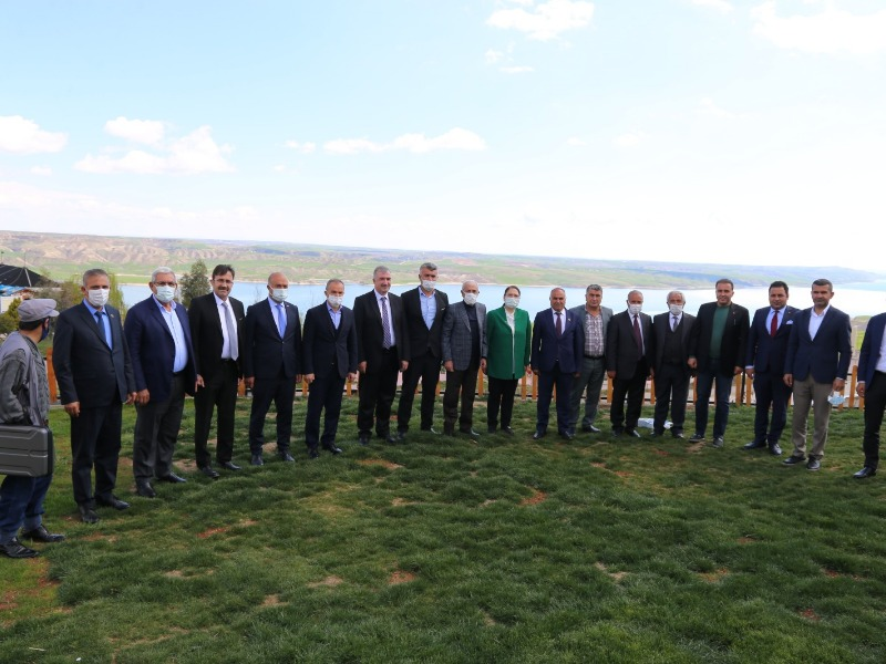Belde ve Belediye Başkanları Kahta'da Toplandı